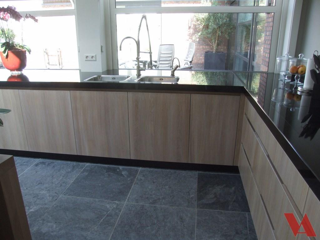 Nieuwe keuken keuken ontwerpen moderne keukens for Keuken zelf ontwerpen