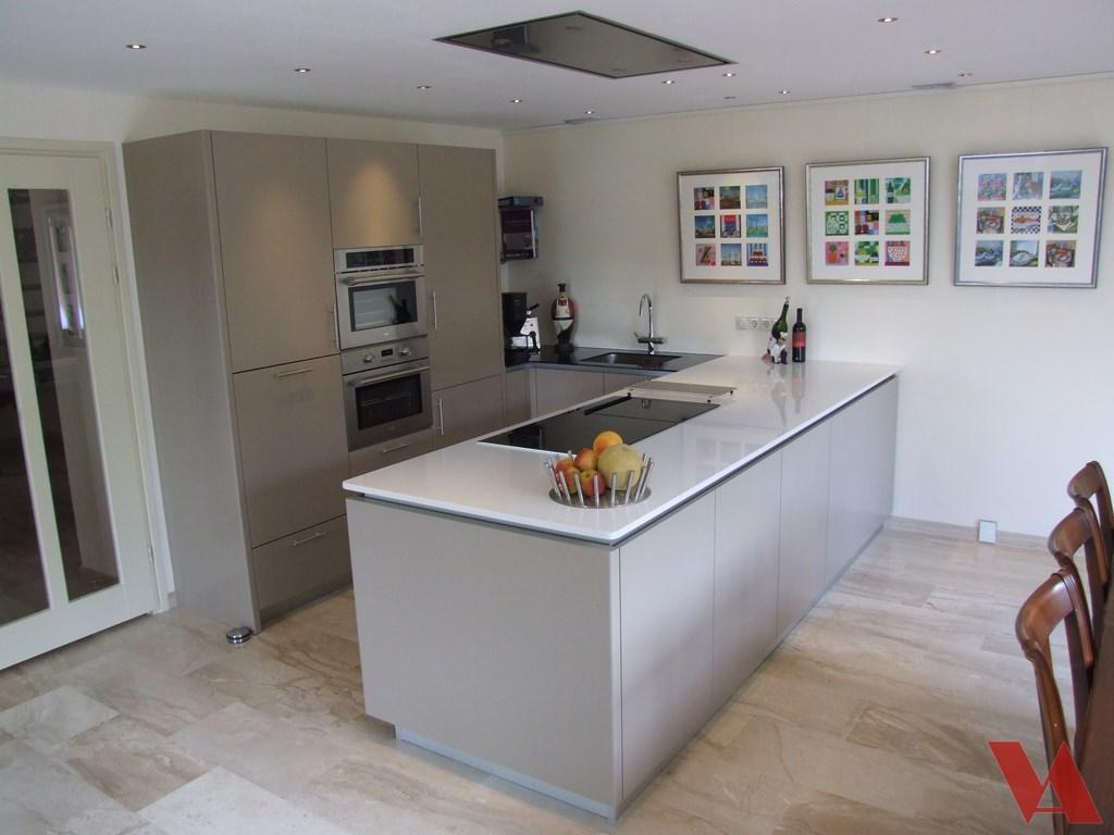 Nieuwe keuken keuken ontwerpen moderne keukens - Moderne keuken en woonkamer ...